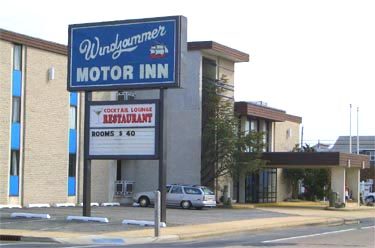 Windjammer Motor Inn